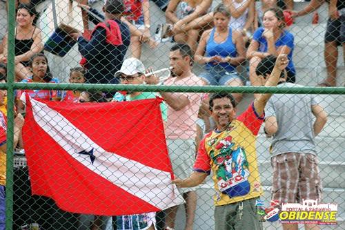 Walber e sua bandeira do Pará inseparável
