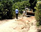 Empresa Vieira Transporte juntamente com comunitários e prefeitura municipal realizaram manutenção de ramais que dão acesso as escolas da área rural