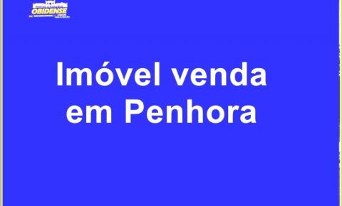 Em Óbidos prédio de dois pavimentos localizado na travessa Rui Barbosa, nº 142, centro, vai a penhor.