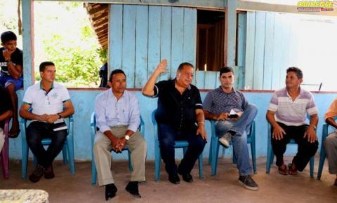 A comunidade do Babaçu no BEC em Oriximiná se reúne com governo municipal para discutir suas demandas