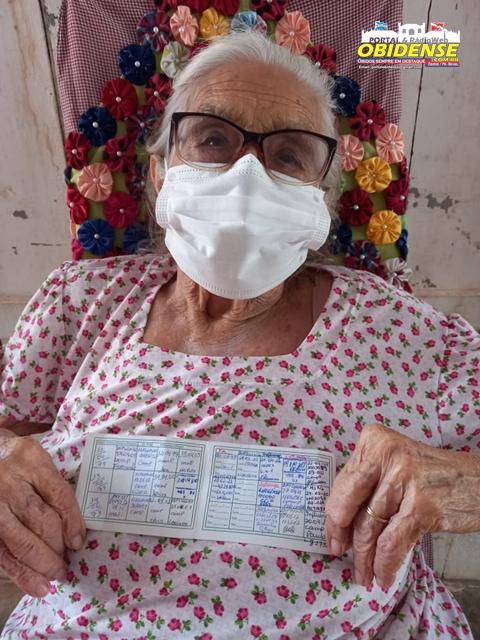 Primeira vacinada em Óbidos