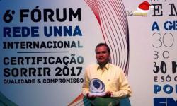 O dentista obidense Dr. Daniel Vasconcelos está entre os 200 melhores dentistas do Brasil, que atendem pela Rede Unna do grupo Odontoprev.
