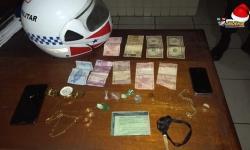 Dois homens presos com drogas pelo Moto Patrulhamento   Portal Obidense