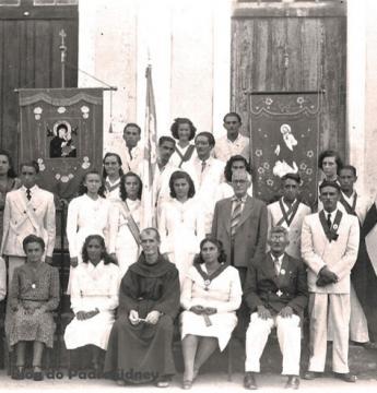 Confrarias religiosas em Óbidos na década de 1940   Portal Obidense