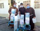 Igreja Sant'Ana, Hospital, Navio Papa Francisco e Secretária de Saúde de Óbidos recebem higienizadores para combater o Coronavírus | Portal Obidense