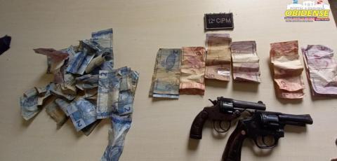 Dupla armada invade comércio, rende dono, clientes e rouba dinheiro e acabam presos em Oriximá   Portal Obidense