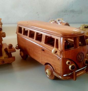 Obidense mestre da marcenaria fabrica miniaturas em madeira   Portal Obidense