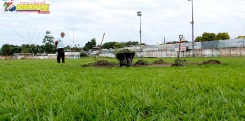 Estádio Ary Ferreira recebe ações de revitalização da estrutura física e do gramado de jogo