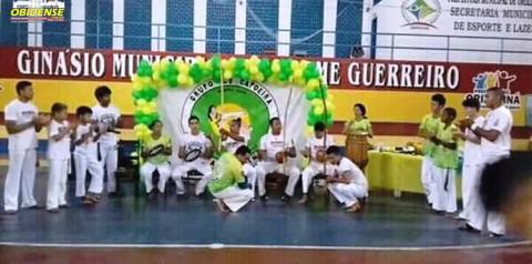 Capoeirista de três cidades do oeste do Pará se reúnem em Oriximiná para a tradicional cerimônia de batizados de integrantes a arte da Capoeira.