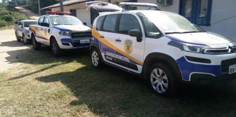 Prefeito de Oriximiná entregou na manhã desta segunda-feira (23) dois veículos para a guarda municipal.