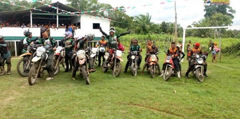 Aventura e adrenalina na 2º edição da Trilha Óbidos, Muratubinha. Viagens pela Amazônia, enfrentando água e lama.