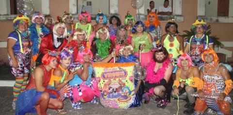 O mais irreverente dos blocos encerra a festa do mascarado Fobó. As Virgens é o bloco oficial mais antigo do Carnaval obidense.