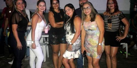 Sábado em Óbidos, a festa foi divertida e muito animado na quadra Nilton Melo