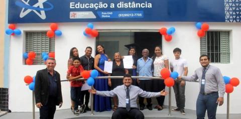 Universidade Cruzeiro do Sul, gradua primeiras alunas em Óbidos