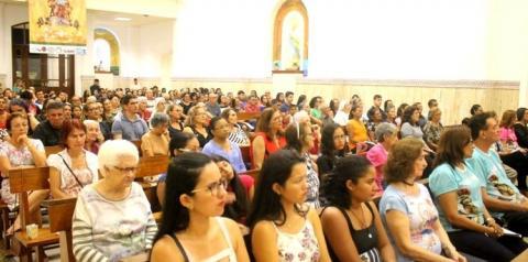 Primeira noite da Festividade de Santa Maria lota igreja Matriz em Óbidos