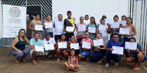 Associativismo e Cooperativismo foram tema de oficinas para organizações sociais em de Terra Santa, Faro e Oriximiná.