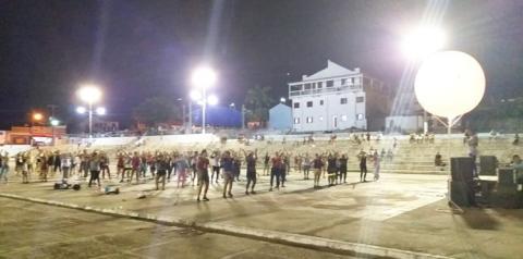 Em Óbidos o Projeto Zumba na Praça tem atraído um grande número de pessoas