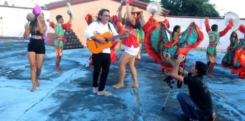 Cantor Eduardo Dias, grava clipe da musica Batalhão do Sonhar, como cenário o histórico Forte Pauxis em Óbidos