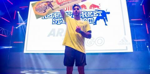 Paraense dá show, fatura tri e assegura vaga ao Brasil em Mundial de futebol Freestyle