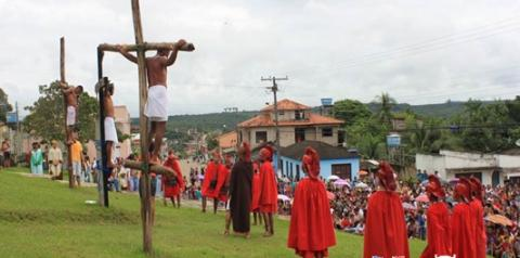 A Via-Sacra - Via-crúcis (do latim Via Crucis,