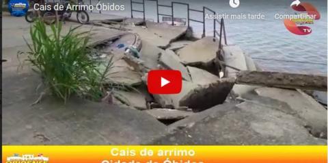 Parte do cais, próximo a cabeça do Padre na frente da cidade de Óbidos está desmoronando