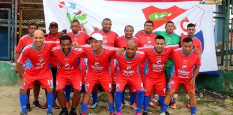 Futebol de confraternização entre Obidense FC e Amigos do bar dos Obidense terminou em 3x3   Portal Obidense