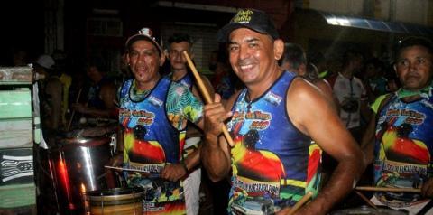 No instrumental - No Pai da Pinga quem faz a festa é a banda | Portal Obidense