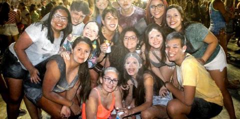 Segundo domingo de Pré-Carnaval em Óbidos, arrastão saiu do reduto do bloco Mirim   Portal Obidense