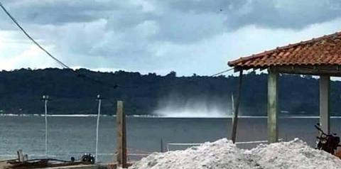 Morador de Faro registra Tromba d'água que se formou em frente a cidade   Portal Obidense