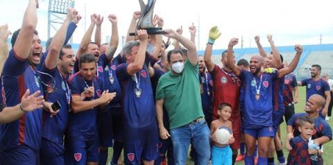Transação FC quebra tabu, vence Habeas Corpus e levanta a taça de Campeão   Portal Obidense