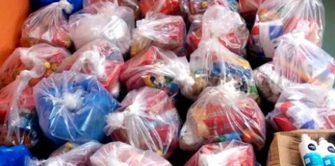 Voluntários em Óbidos, entregam 40 cestas básicas a famílias carente | Portal Obidense