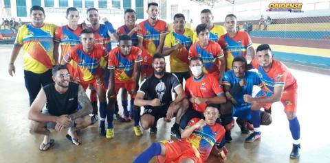 Oriximiná é campeã da I Copa Vicente Filizola Neto de futsal   Portal Obidense