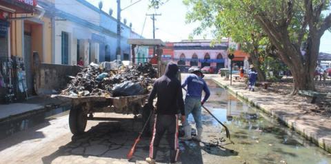 Centro comercial de Óbidos recebe serviços de limpeza pela SEURBI | Portal Obidense