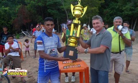 Santo Antônio vence e é campeão da VIII Copa Pauxiara. Mais um troféu erguido pelo capitão Duruti, já virou rotina.