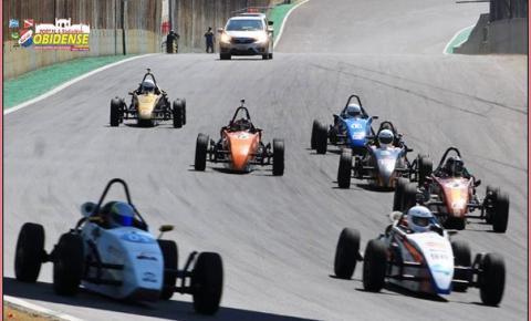 Piloto amazonense Gabriel Silva é destaque na Fórmula Vee