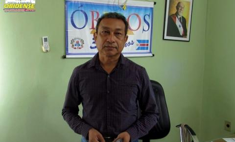Prefeito de Óbidos em entrevista a uma emissora de TV local, fala das ruas da cidade, aproveita par fazer algumas críticas ao ativo existente.