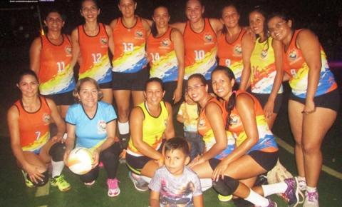 Darclei, Mara e Tatiana, são obidenses e foram campeãs do torneio Unipar vestindo a camisa do time mocorongo.