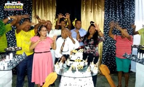 Família, amigos, políticos e autoridades em Óbidos, homenagearam seu Manduquinha pela passagem de seu aniversário.