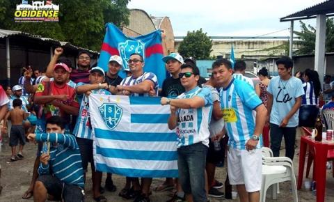 Torcedores do Paysandu em Manaus comemoram o título e a primeira vitória do Papão sobre o leão em 2017.