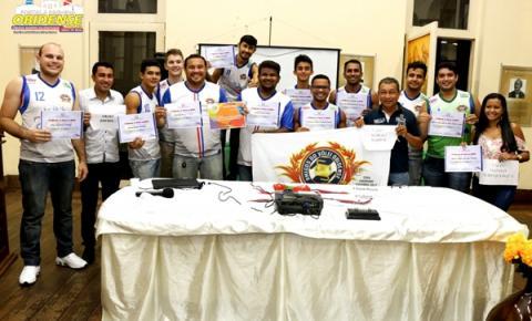 Semel homenageia equipe Amigos do Vôlei Obidense pela excelente campanha em competição regional