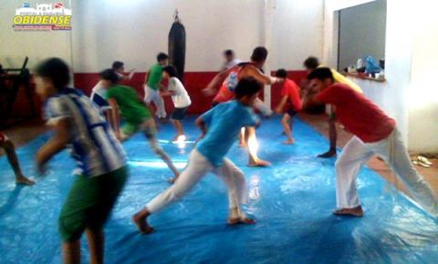 Foi dado o ponta pé inicial às aulas de capoeira, no Centro de Treinamento Dragon Fight, cidade de Óbidos.