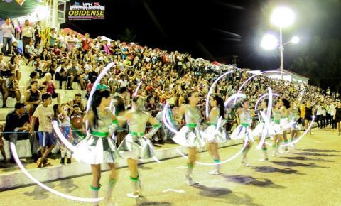 7 educandários desfilaram na terceira noite de programação da Semanada da Pátria em Óbidos-PA
