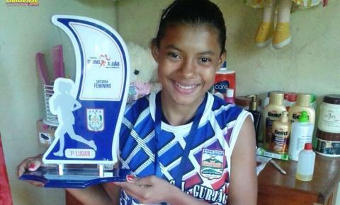 A obidense Poliane de14 anos de idade, vem se destacando em maratona disputada na cidade de Óbidos pelos últimos resultados