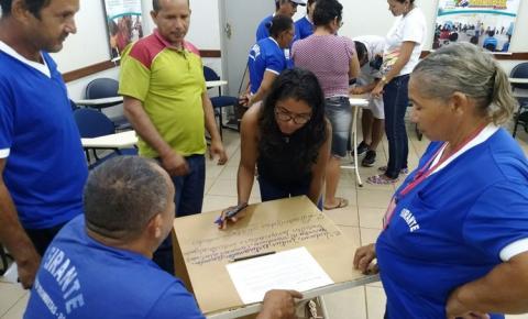 Feirantes de Porto Trombetas participam de oficina para elaboração de regimento interno