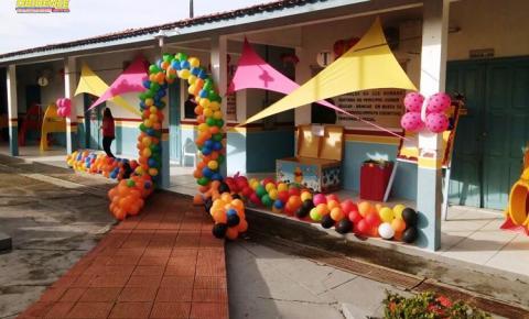Em Oriximiná, escola municipal Amélia Ferrari completa 36 anos e recebe uma super brinquedoteca de presente de um casal empresários da cidade.