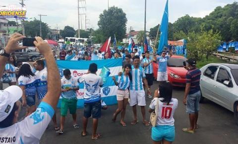 Torcida paraense em Manaus, diz que Paysandu joga em casa. Portões serão abertos 2h antes do duelo da Copa Verde