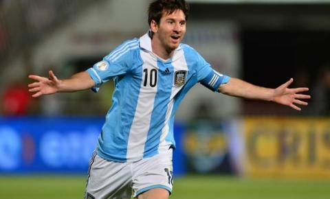 Messi fica fora da seleção argentina por tempo indeterminado para ajudar o Barcelona