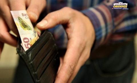 A estimativa para o salário mínimo em 2019, proposta em abril, foi reduzida de R$ 1.002 para R$ 998