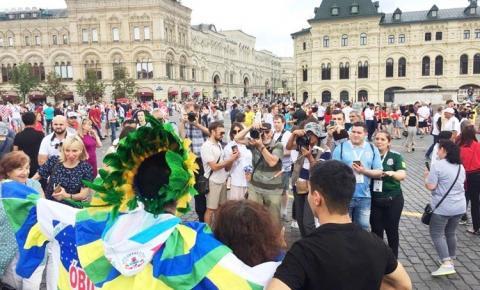 O ícone do Carnapauxis obidense, o mascarado fobó, foi uma das sensações na praça vermelha no final da copa do mundo na Rússia
