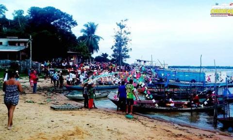 Em Oriximiná, uma forma primitiva de homenagear Santo Antônio, é o Círio das Canoas que acontece hoje na cidade.